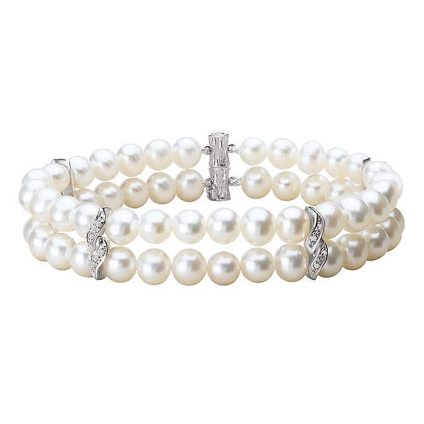 Double strand pearl bracelet with diamonds